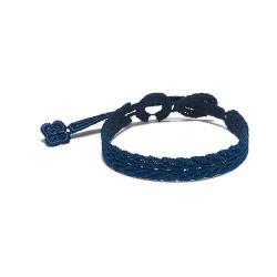 Braccialetto in tessuto macramè di colore blu
