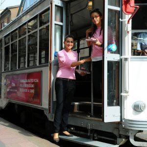 campagna-nastro-rosa_tram_2009_-(4)